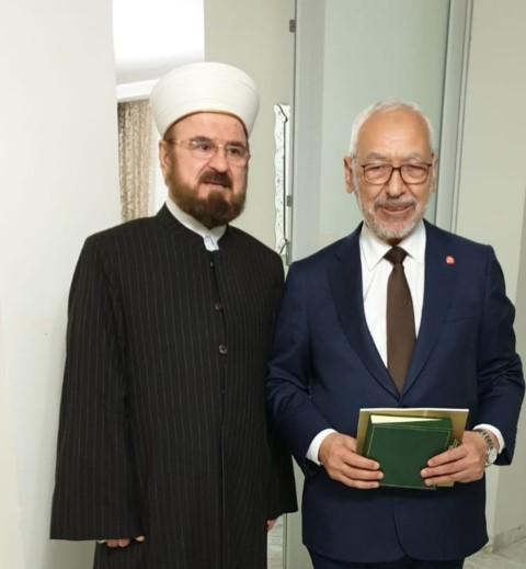 القره داغي يلتقي بالشيخ راشد الغنوشي على هامش زيارته لتونس