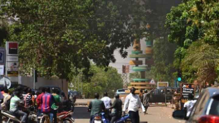 هجوم مسلّح يسفر عن مقتل 16 مصلي أثناء صلاة الجمعة في بوركينا فاسو