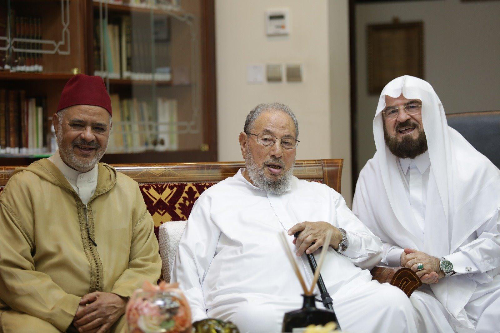 القرضاوي يبارك جهود الاتحاد ونشاطاته .. داعياً المزيد لنفع الأمة