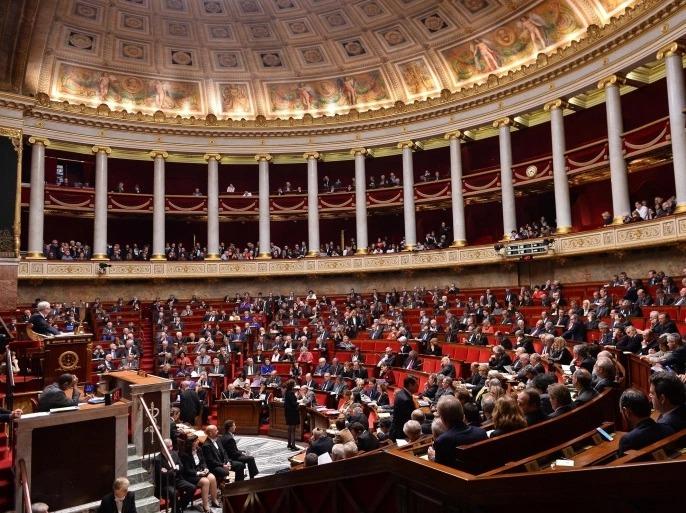 لجنة برلمانية فرنسية تعتمد مشروع قانون