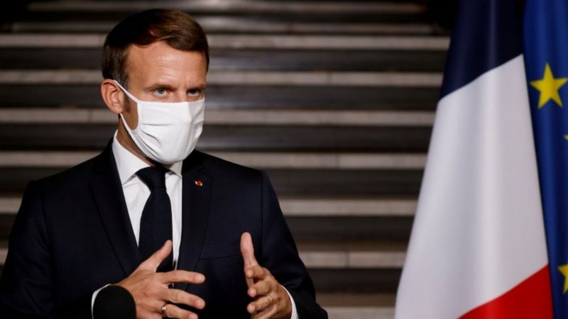 فرنسا تغلق جمعية مناهضة للإسلاموفوبيا وفقا لتعليمات ماكرون